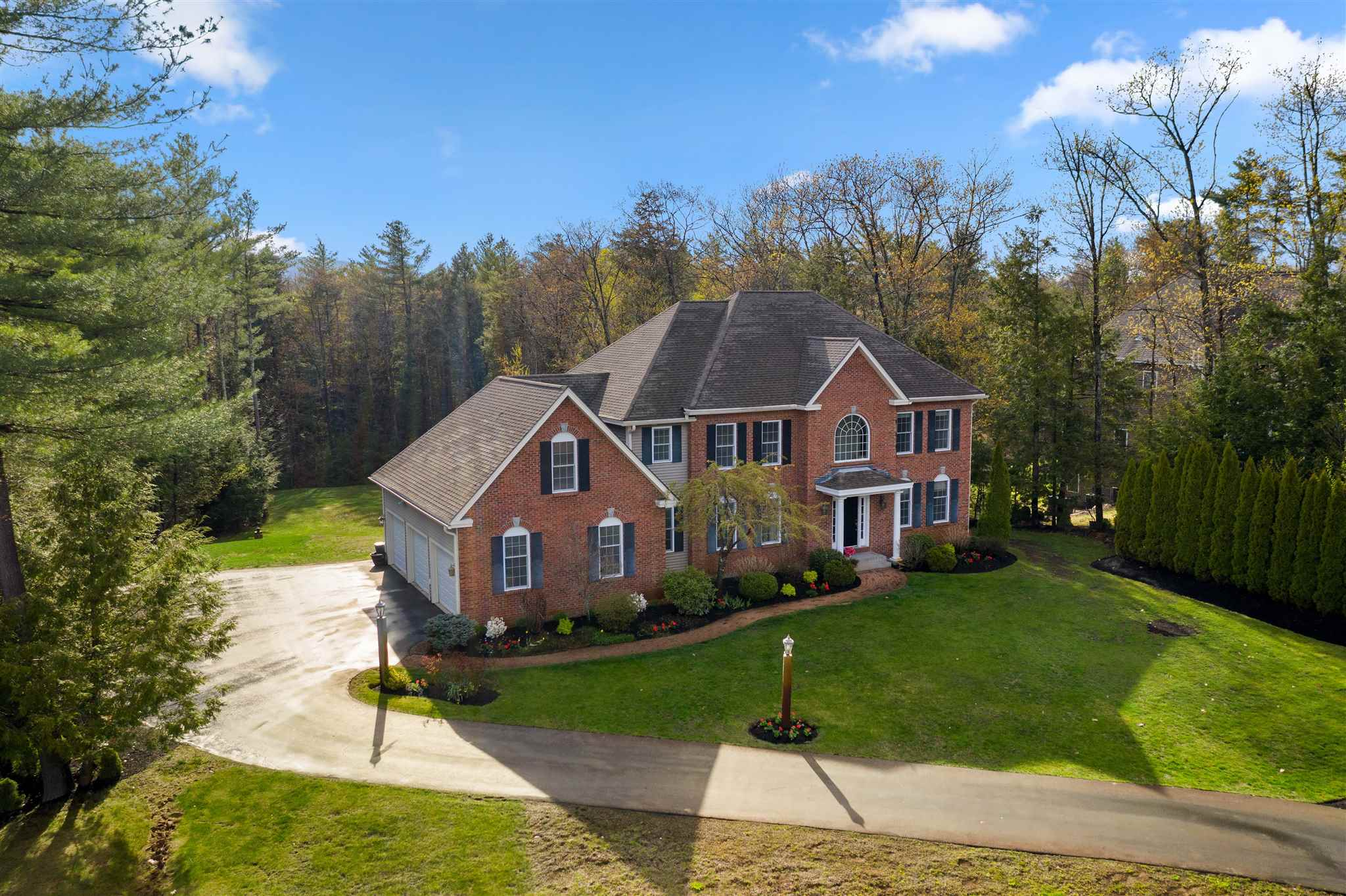 9 Esther Drive, Bedford, NH 03110