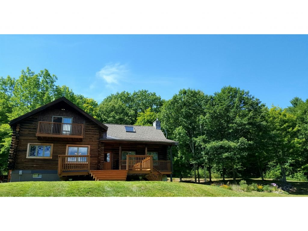 VILLAGE OF SPOFFORD IN TOWN OF CHESTERFIELD NHHomes for sale