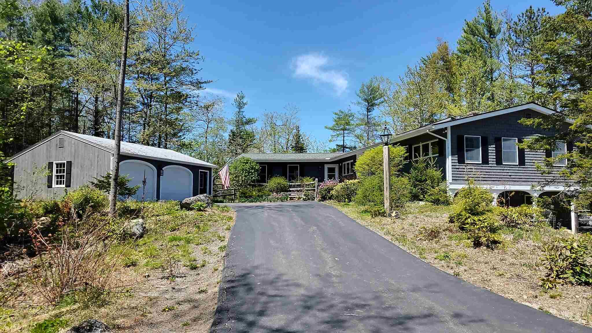 MLS 4807300: 190 Fairway Lane, New London NH