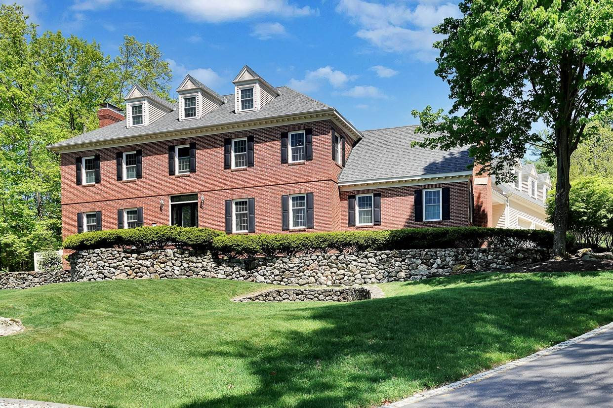MANCHESTER NHHome for sale $$720,000 | $157 per sq.ft.