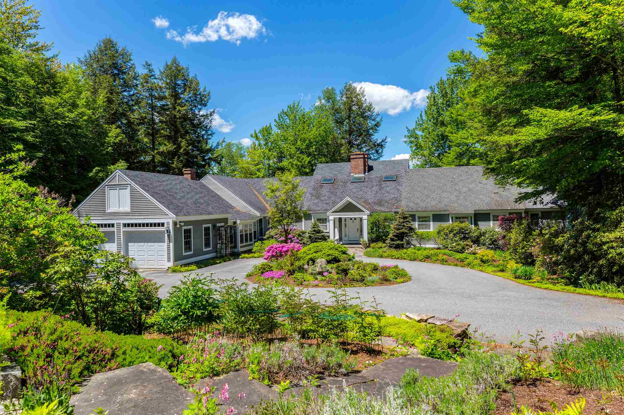 MLS 4808008: 147 South Cove Road, New London NH