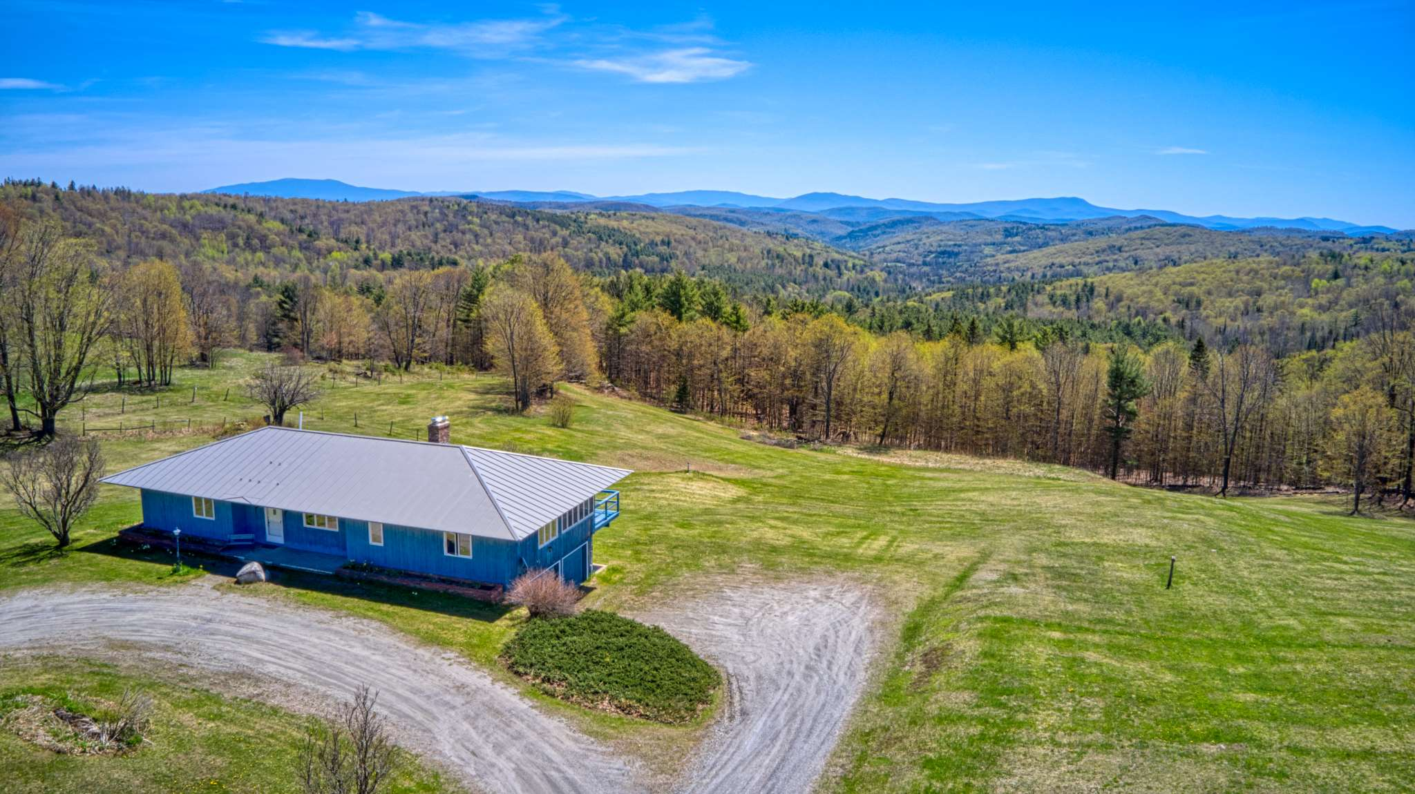 VERSHIRE VT Home for sale $$419,900 | $219 per sq.ft.