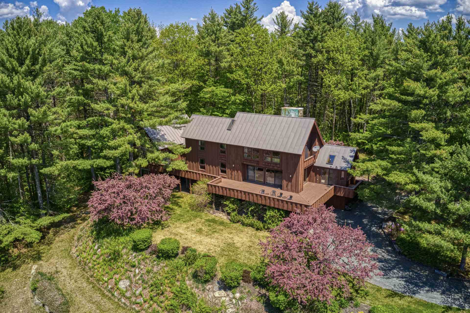 CANAAN NH Home for sale $$579,000 | $161 per sq.ft.