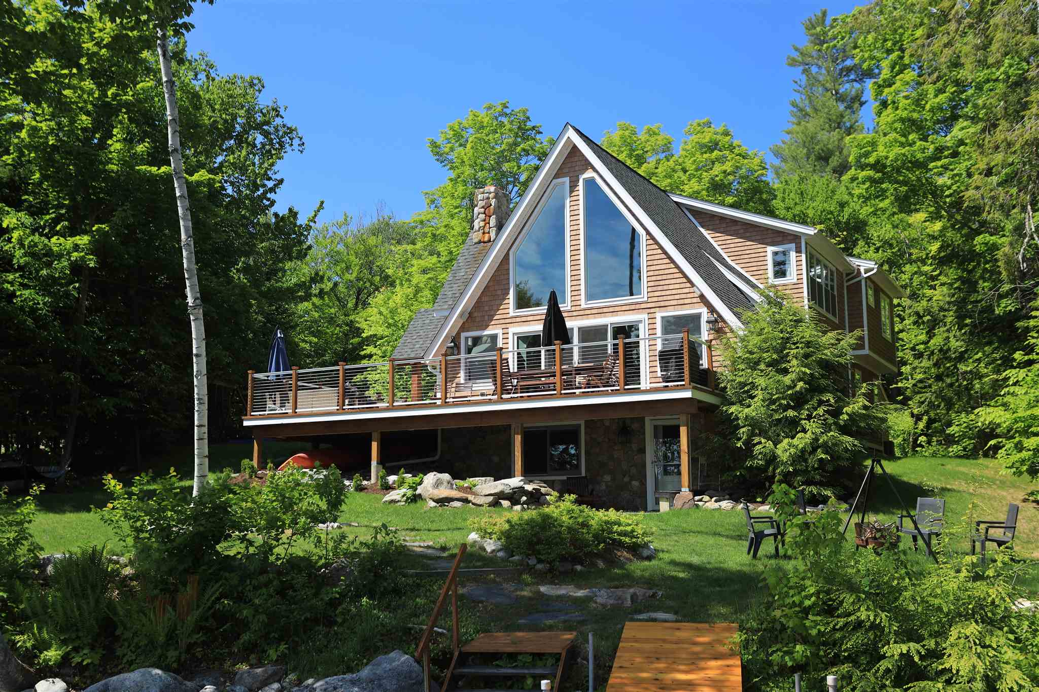 NEW LONDON NH Home for sale $$2,195,000 | $1,030 per sq.ft.