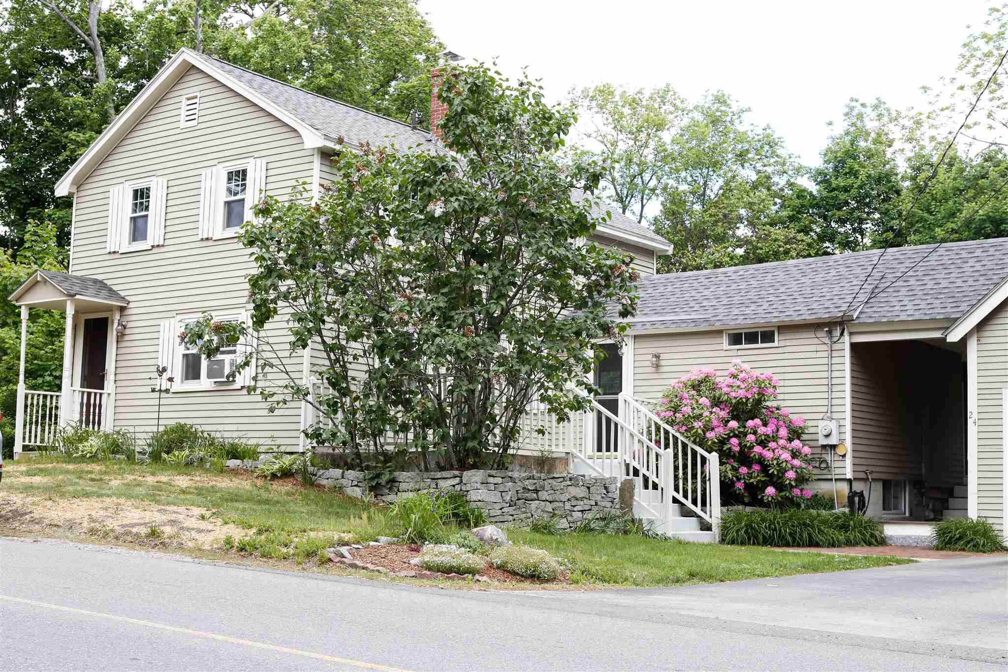 MLS 4808874: 24 Merrimack Road, Milford NH