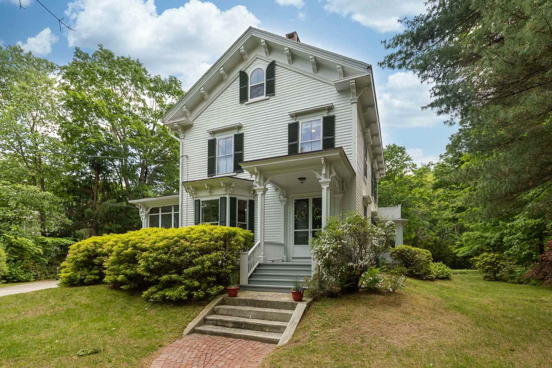 Photo of 33 Pine Street Exeter NH 03833