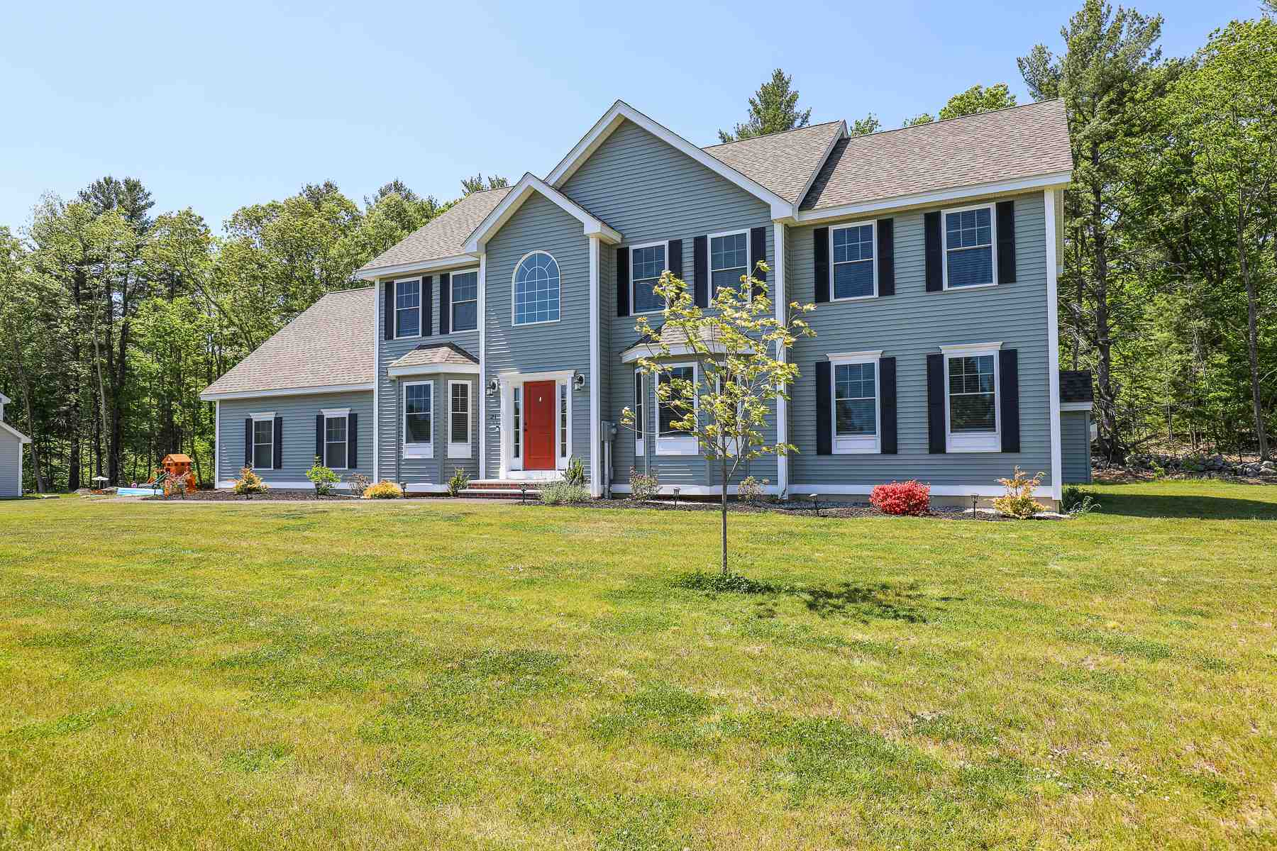 MLS 4808897: 21 Chestnut Lane, Pelham NH