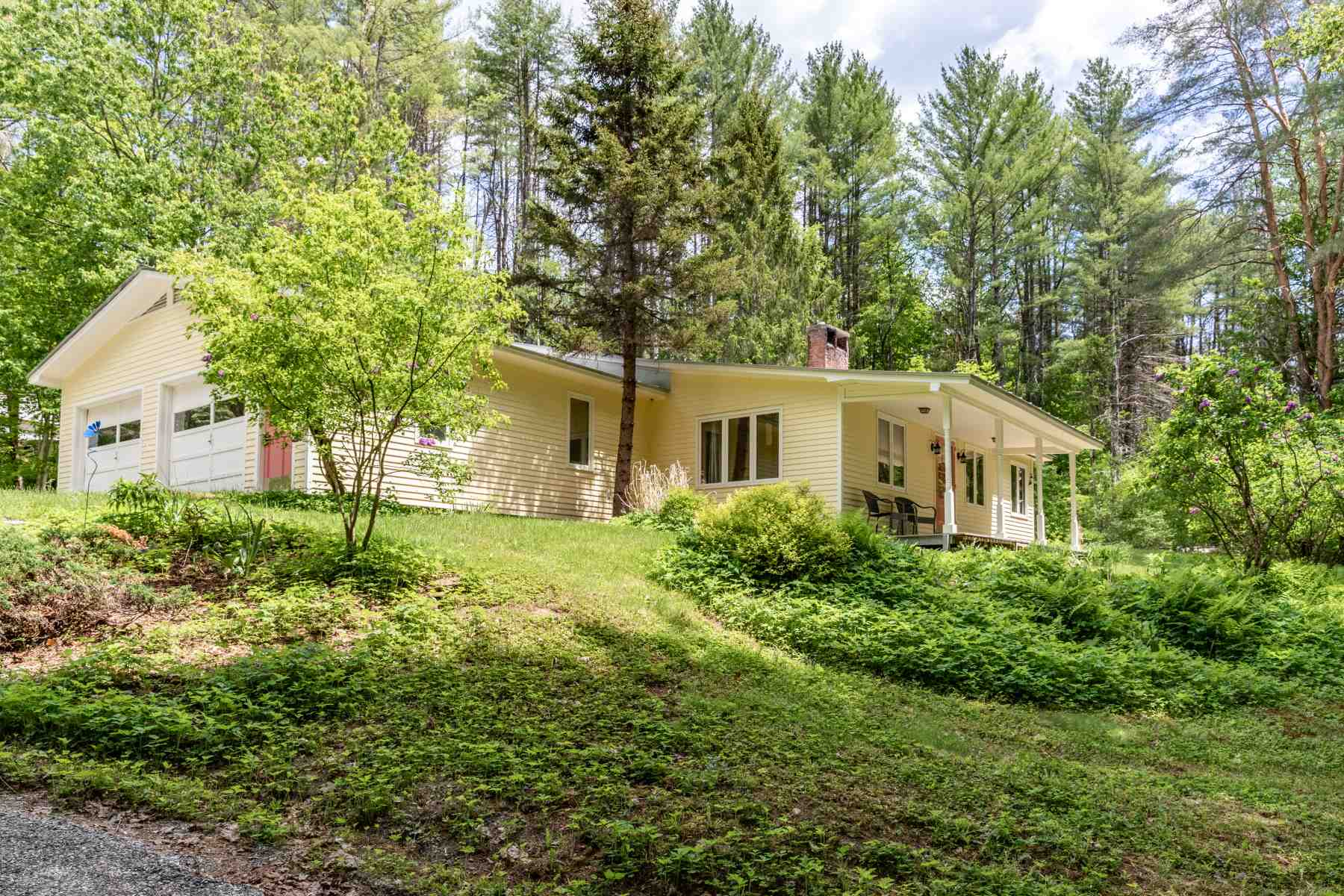 WOODSTOCK VT Home for sale $$350,000 | $164 per sq.ft.