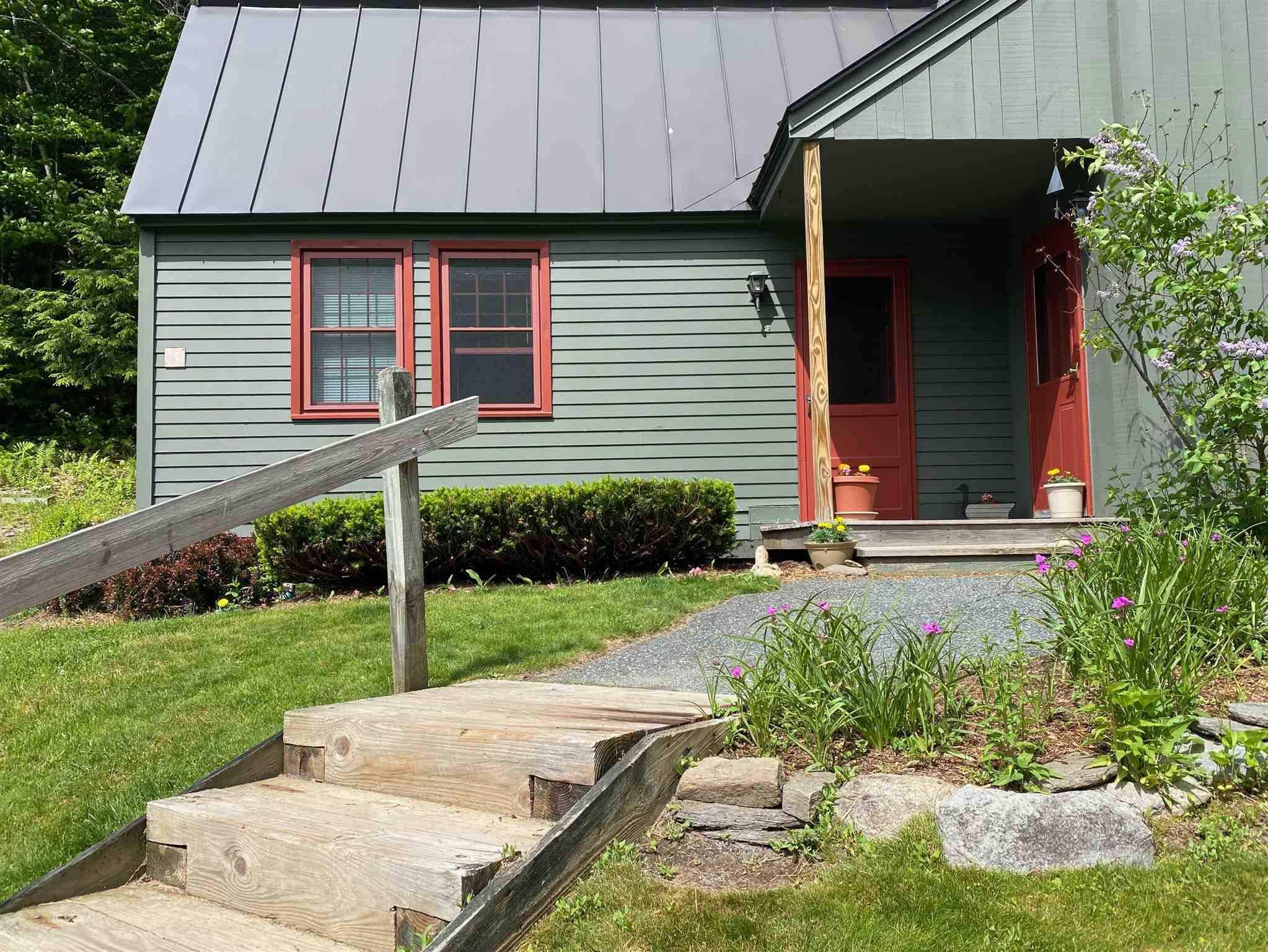 VILLAGE OF QUECHEE IN TOWN OF HARTFORD VT Condo for sale $$76,900 | $84 per sq.ft.