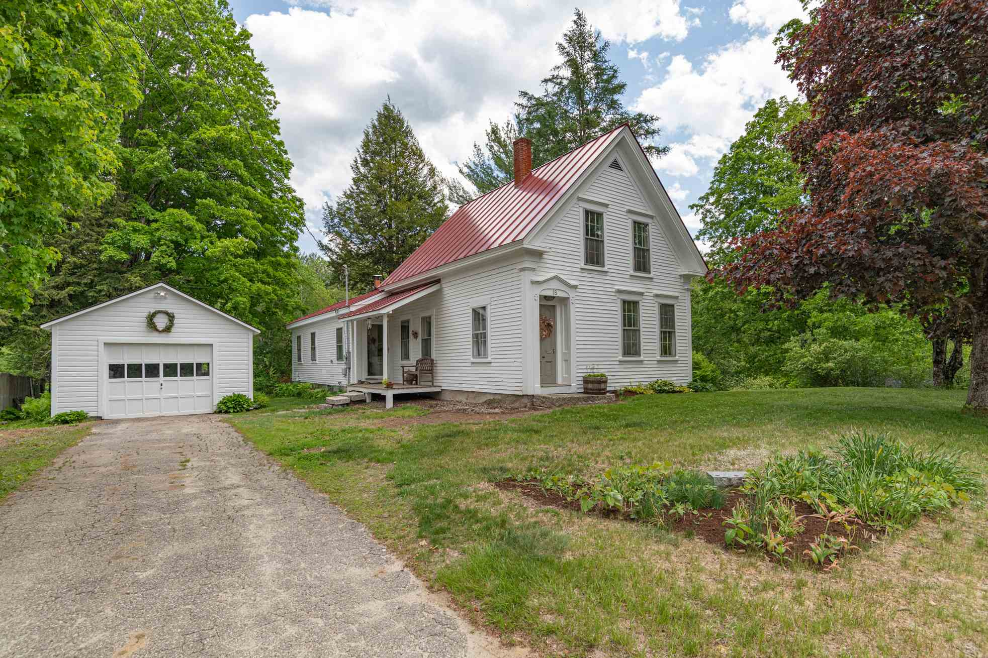 MLS 4810304: 18 Church Place, Wilmot NH