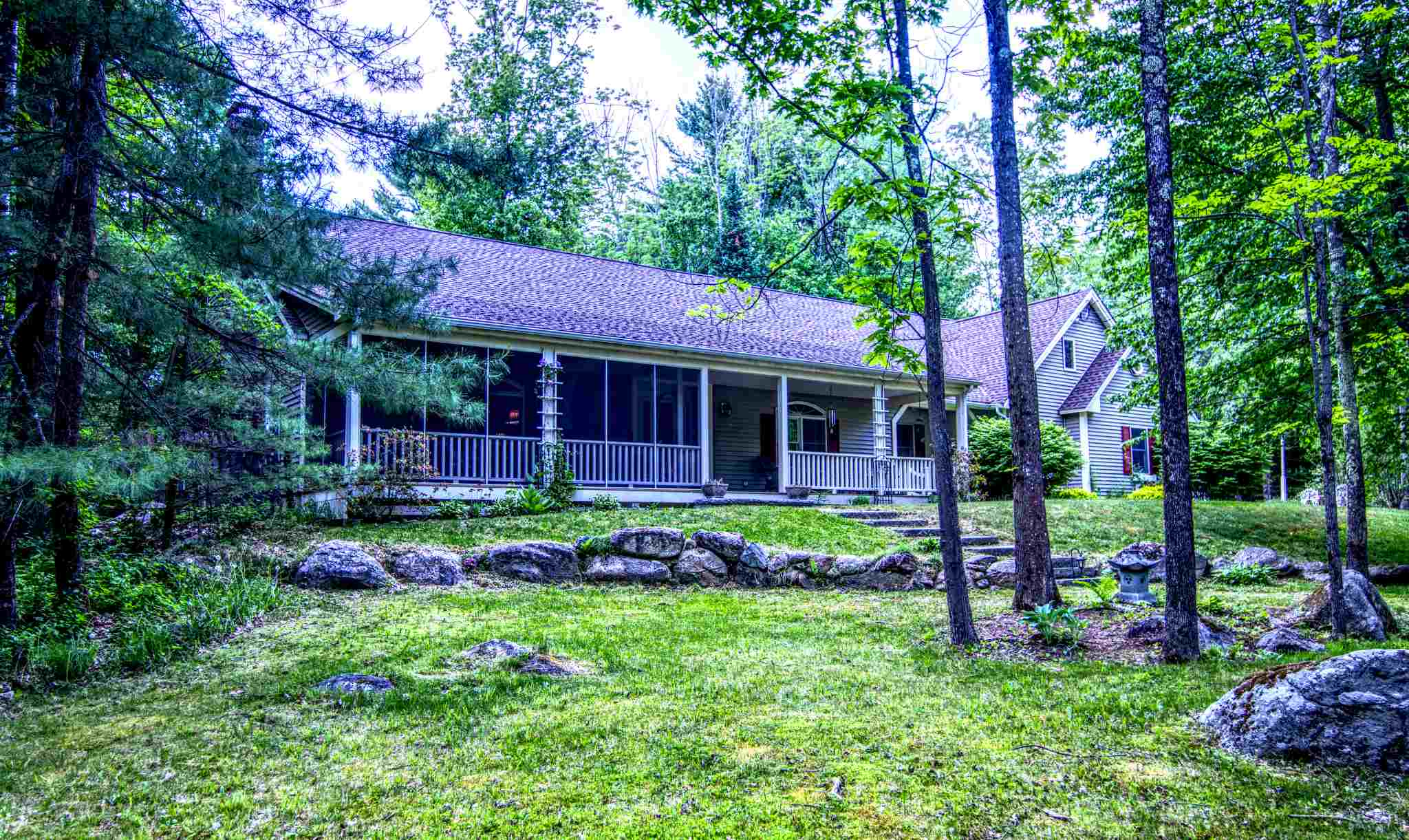VILLAGE OF MELVIN VILLAGE IN TOWN OF TUFTONBORO NH Home for sale $550,000
