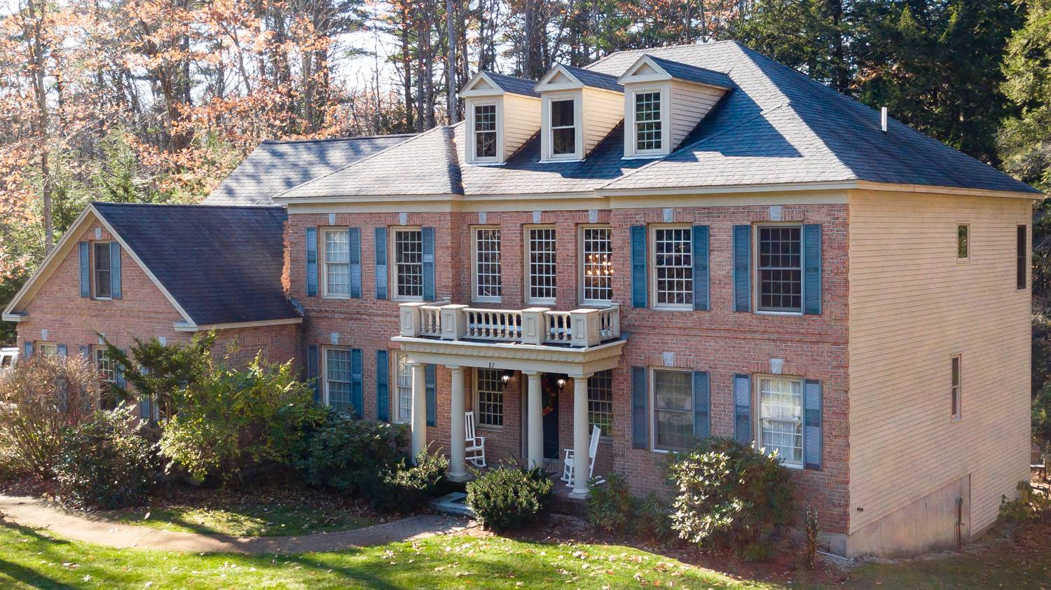 82 Riddle Drive, Bedford, NH 03110