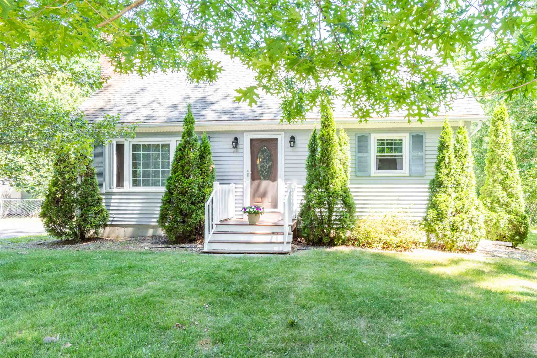 Photo of 23 Kendall Pond Road Londonderry NH 03053