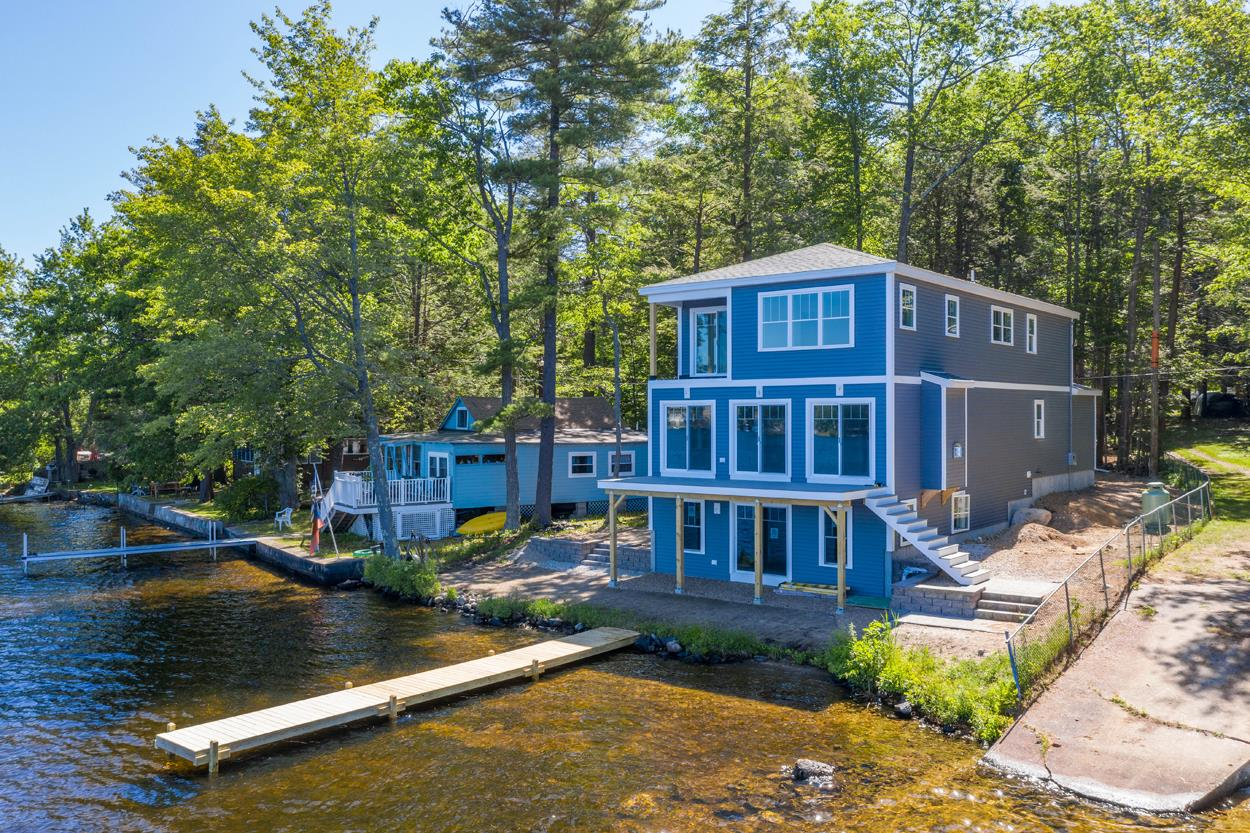 5 Summer Street, Sandown, NH 03873
