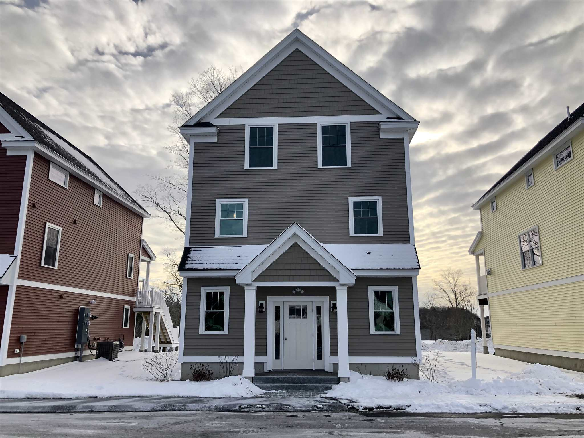 Beautiful, Detached Townhomes w/ Direct Office Entry