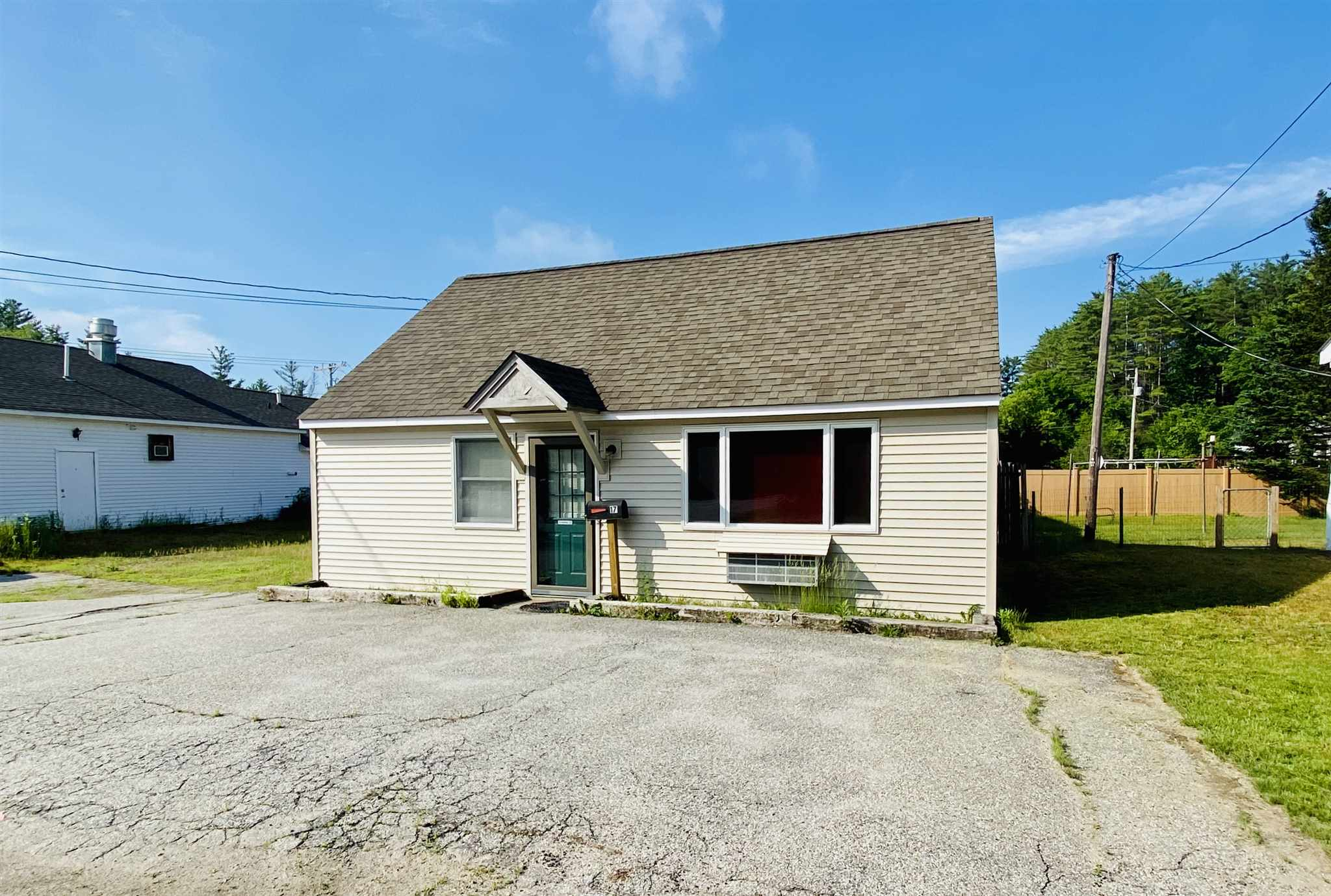 NEWPORT NHCommercial Property for sale $$145,000 | $237 per sq.ft.