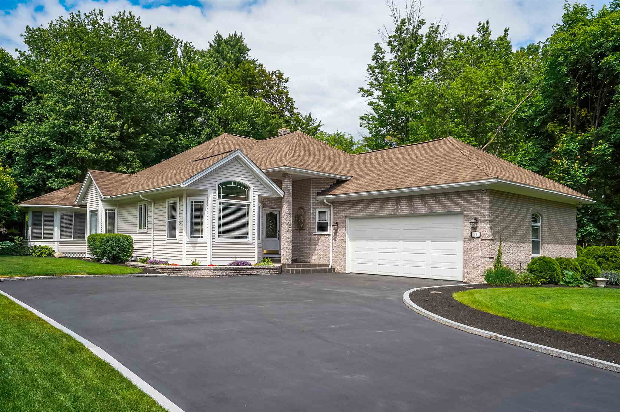 MANCHESTER NHHome for sale $$630,000 | $372 per sq.ft.