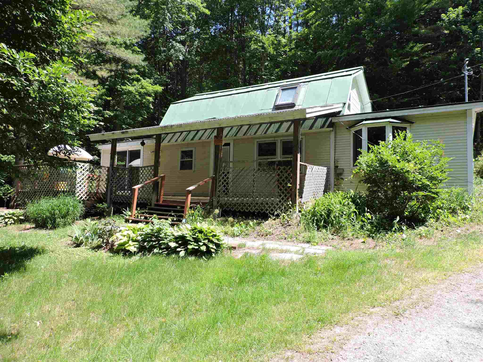 HARTFORD VT Home for sale $$139,000 | $111 per sq.ft.