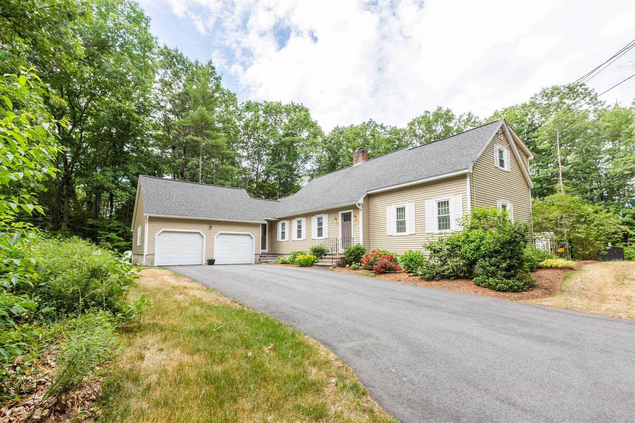 18 Old Stone Way, Bedford, NH 03110