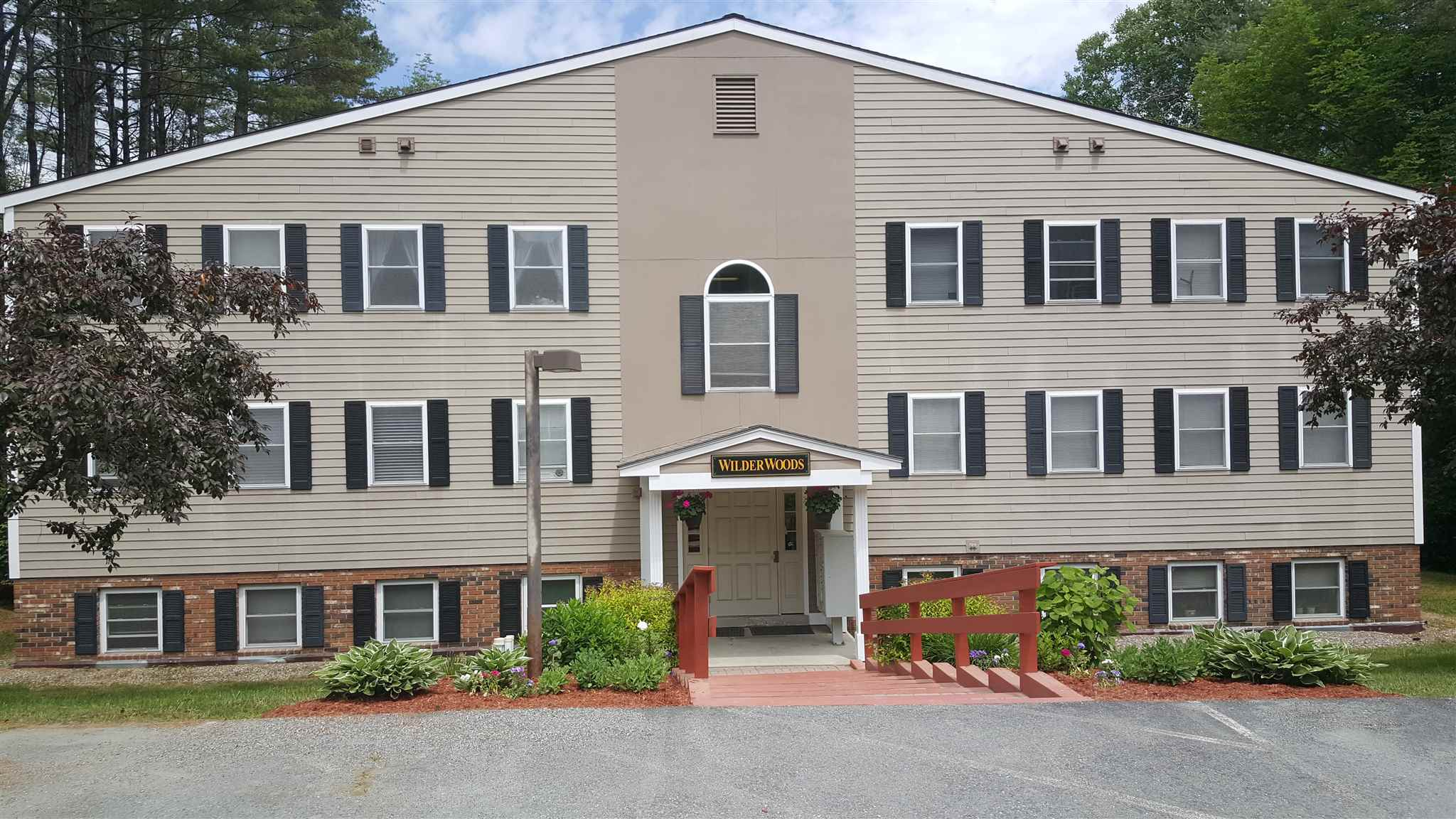 HARTFORD VT Condo for sale $$109,900 | $118 per sq.ft.