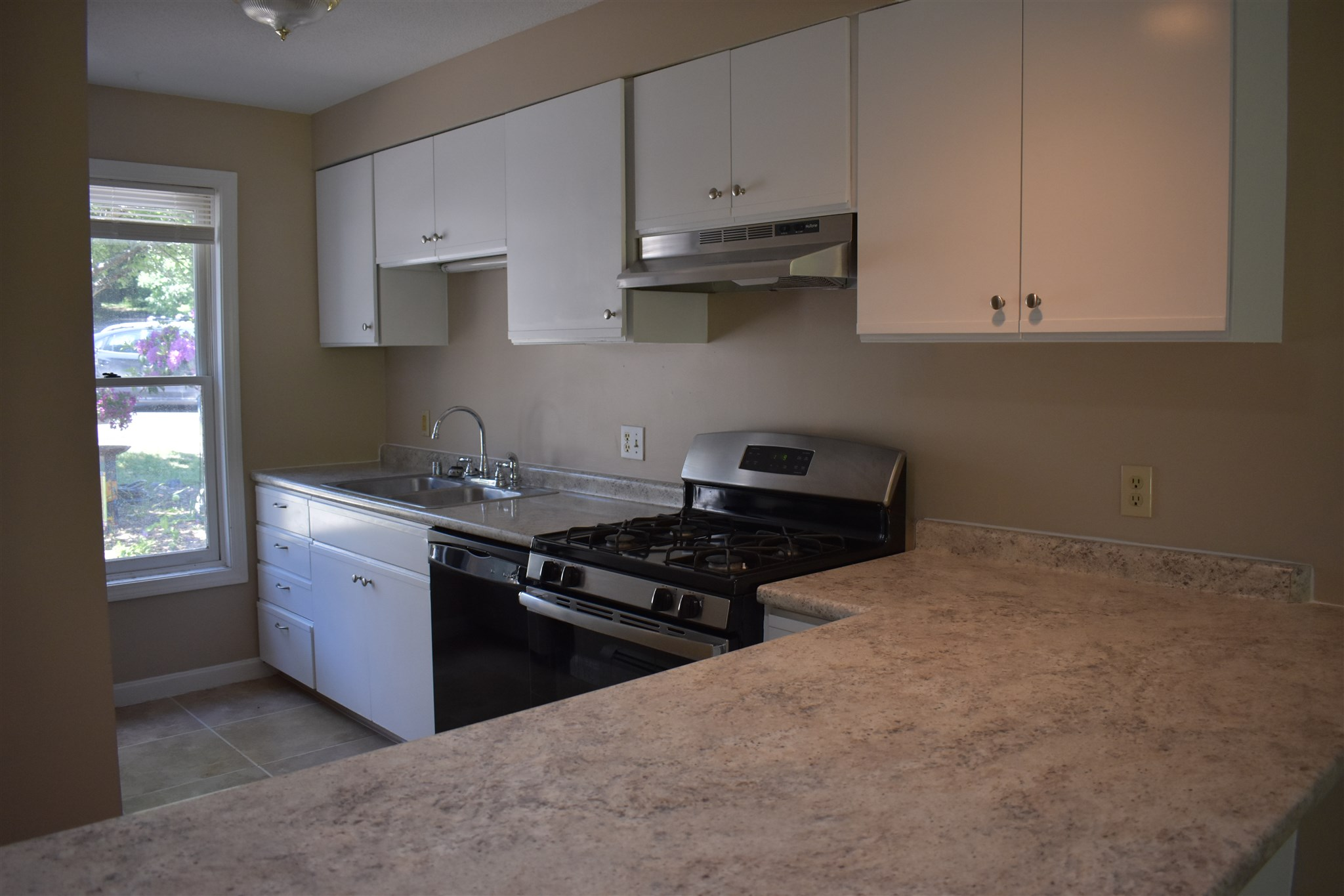 ENFIELD NHCondo for sale $$147,500 | $141 per sq.ft.