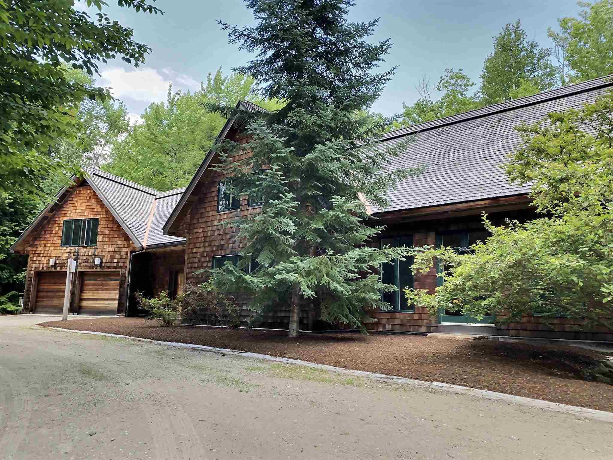 SUNAPEE NHHome for sale $$1,095,000   $428 per sq.ft.