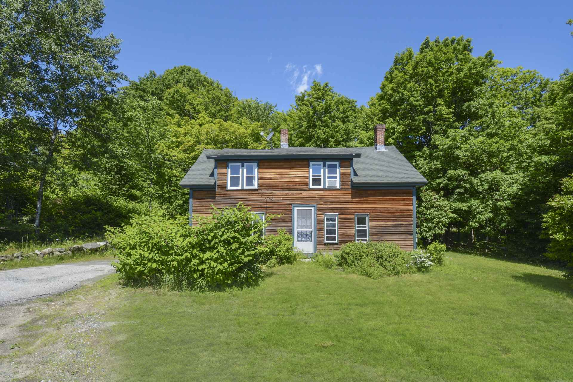 NEW LONDON NH Home for sale $$199,000 | $97 per sq.ft.