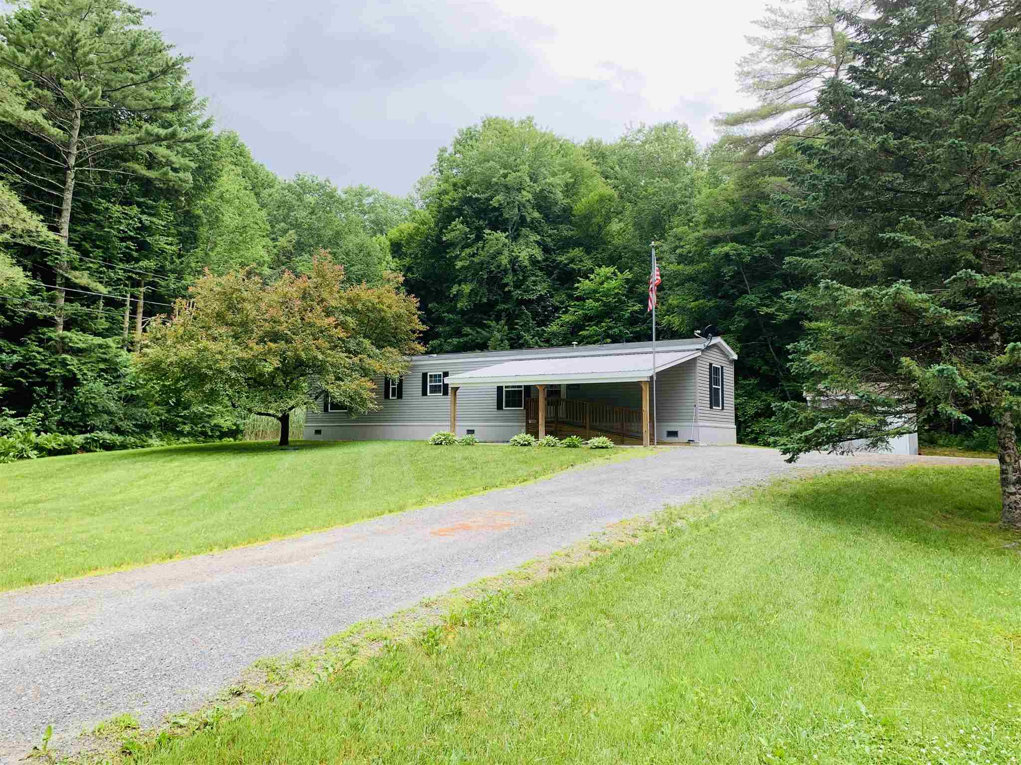 THETFORD VT Home for sale $$165,000 | $181 per sq.ft.