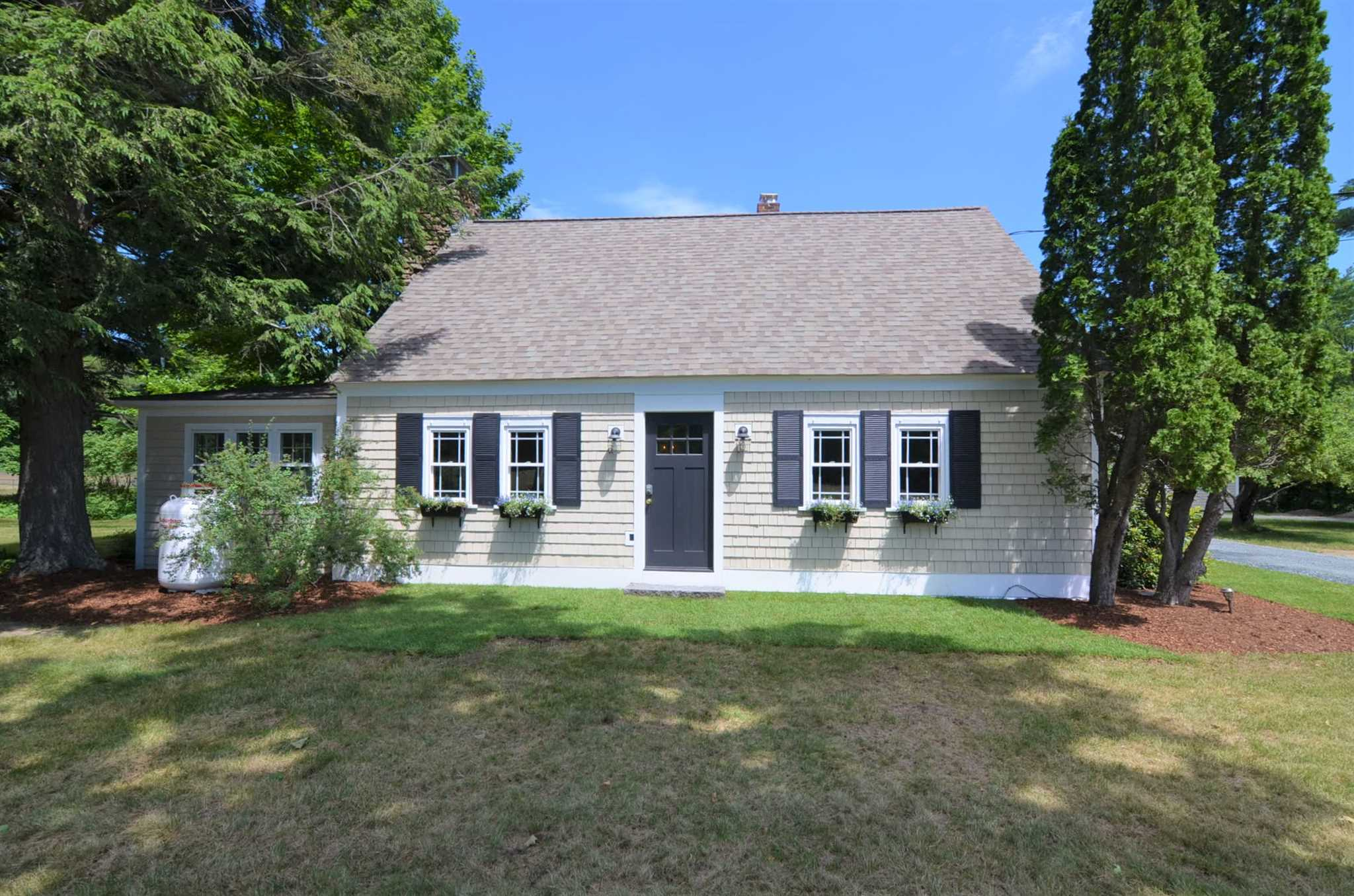 NEWBURY NH Home for sale $$439,000 | $197 per sq.ft.