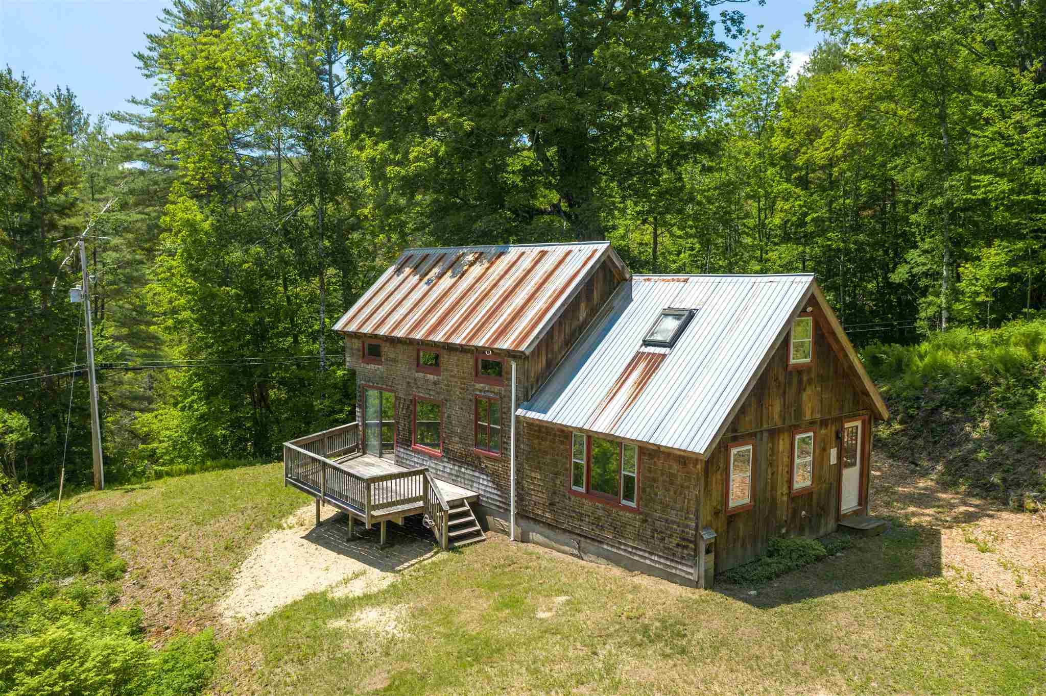 Pomfret VT Home for sale $289,000