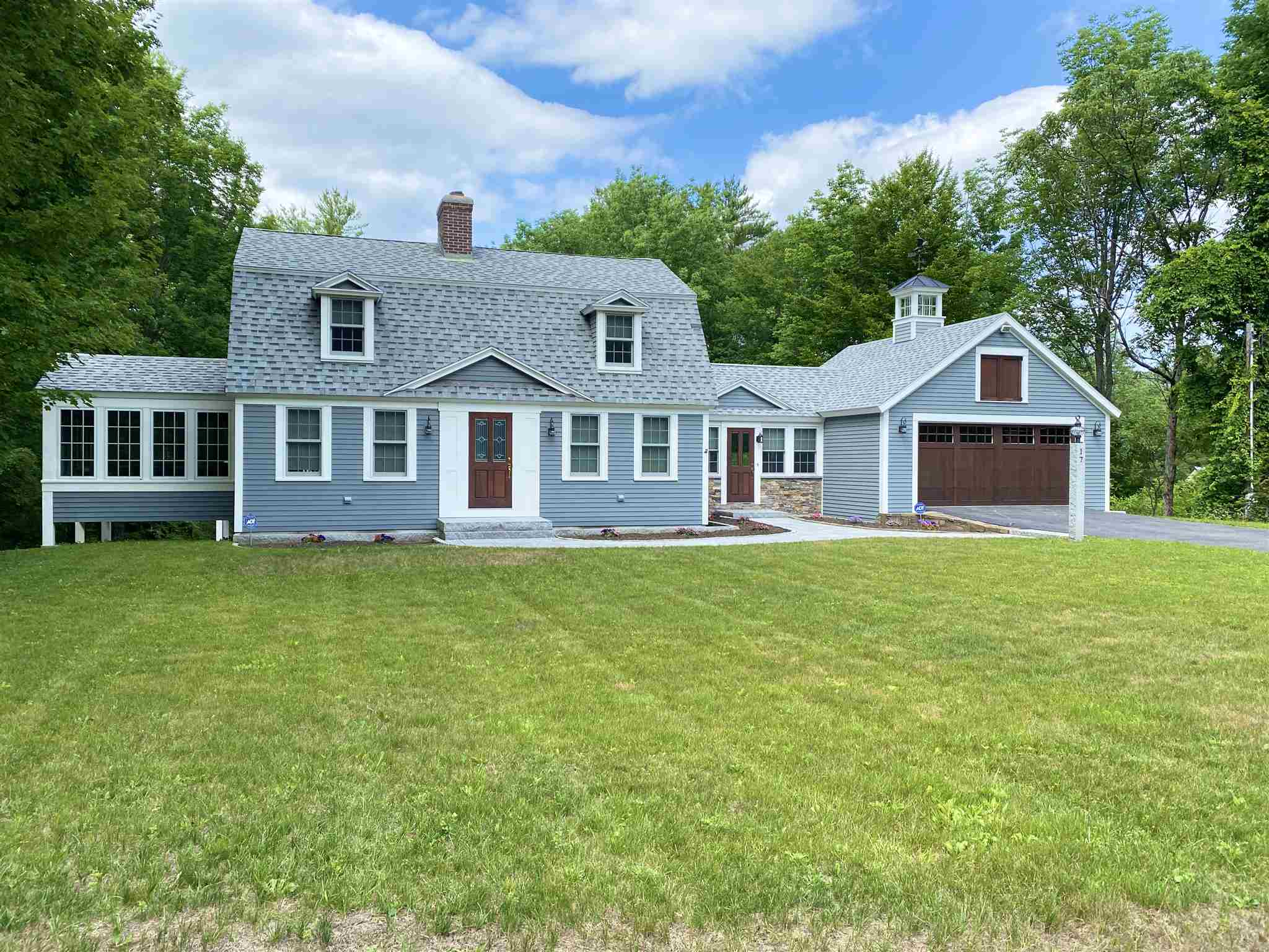MLS 4815519: 17 Parker Street, Plymouth NH