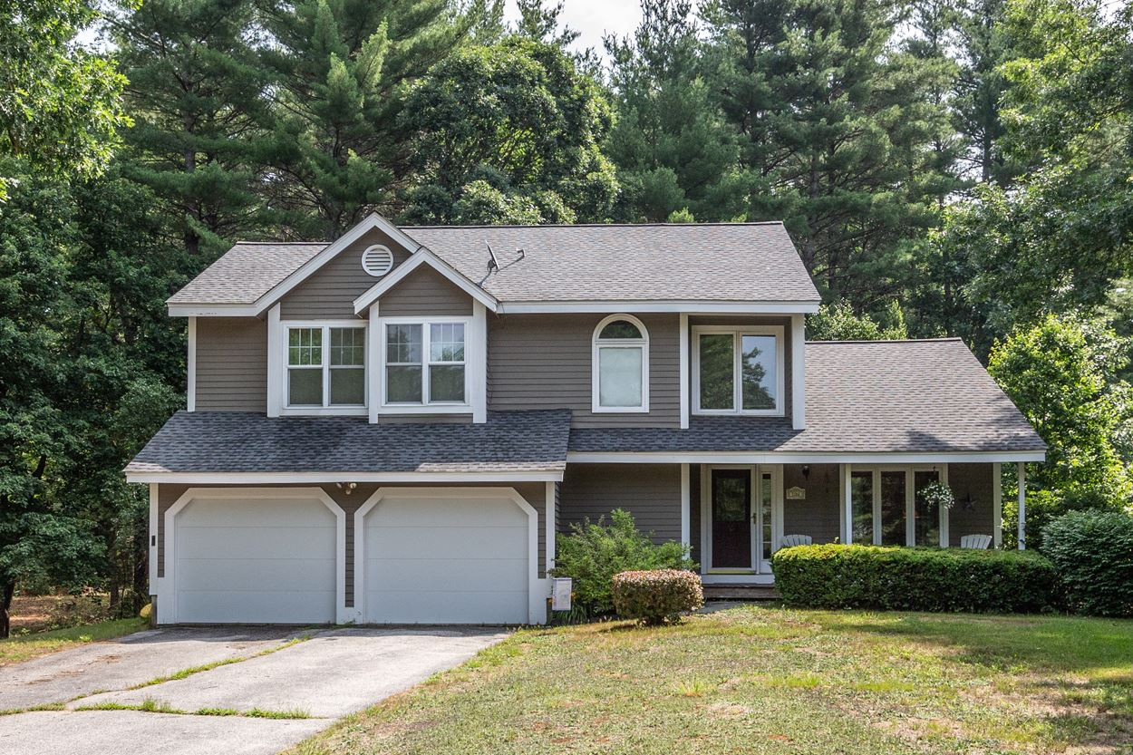 Photo of 16 Woodside Drive Londonderry NH 03053