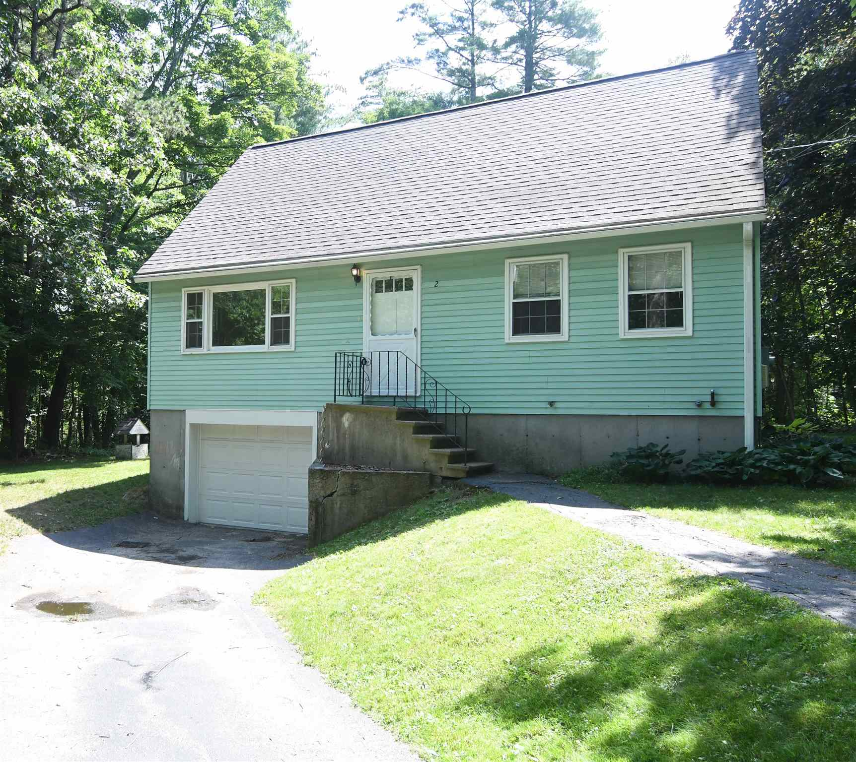 MLS 4815798: 2 Morrison Road, Derry NH