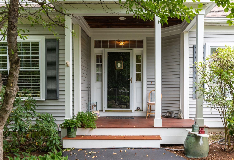 31 Hancock Drive, Bedford, NH 03110