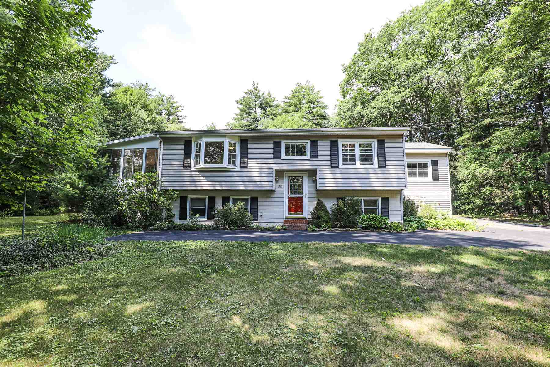 30 Polly Peabody Road, Bedford, NH 03110