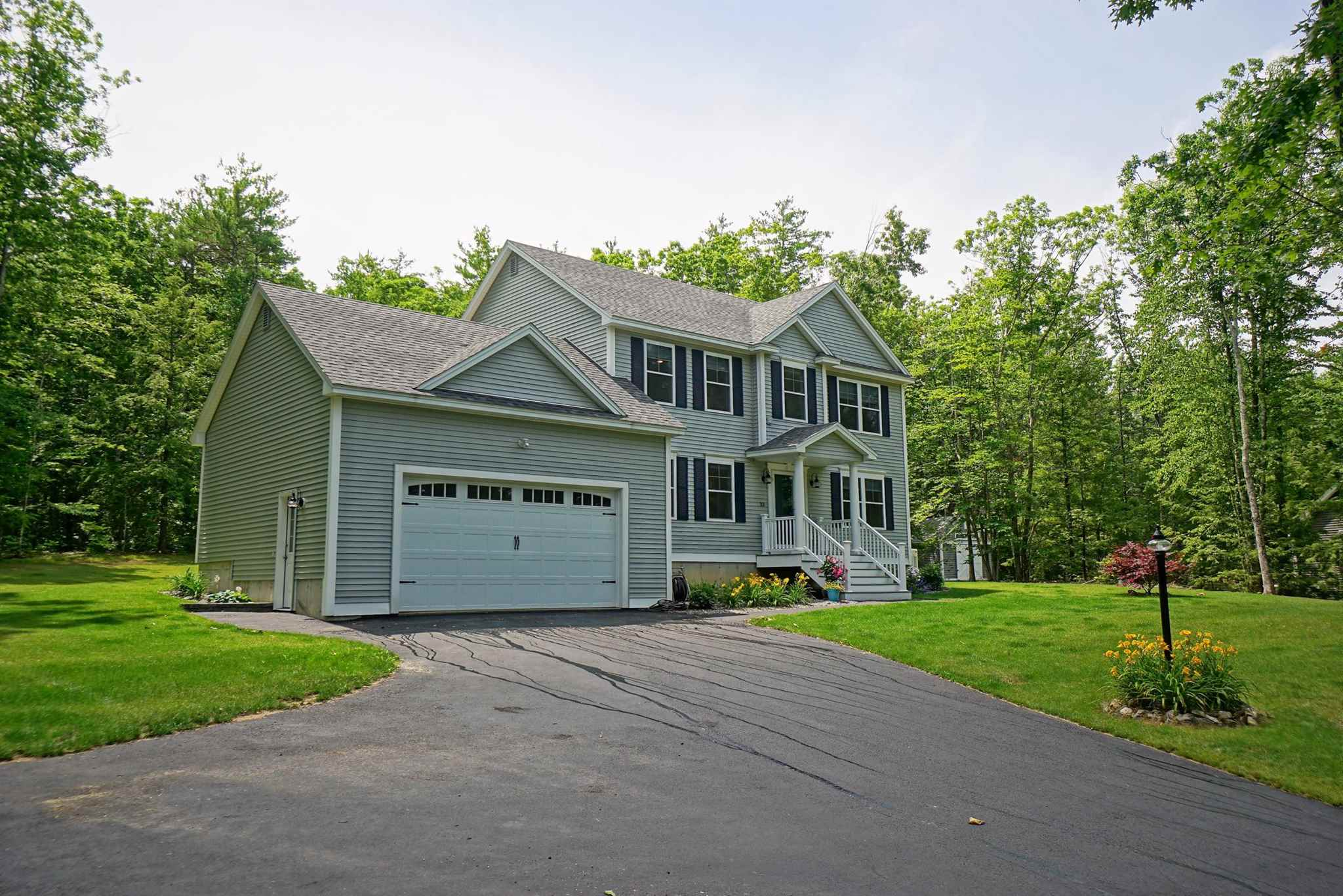 Photo of 33 Sandybrook Drive Raymond NH 03077
