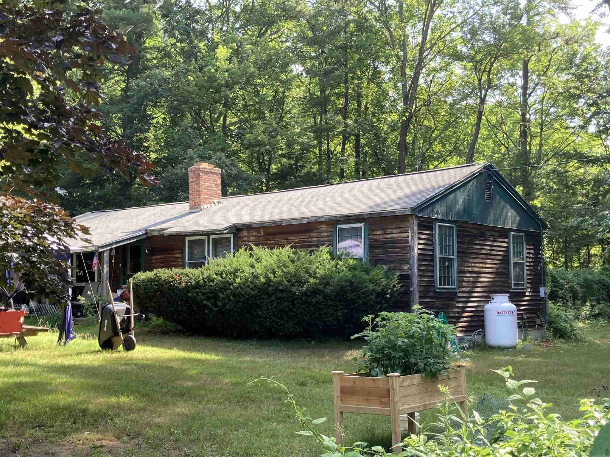 MLS 4816886: 1 Cottonwood Road, Plaistow NH