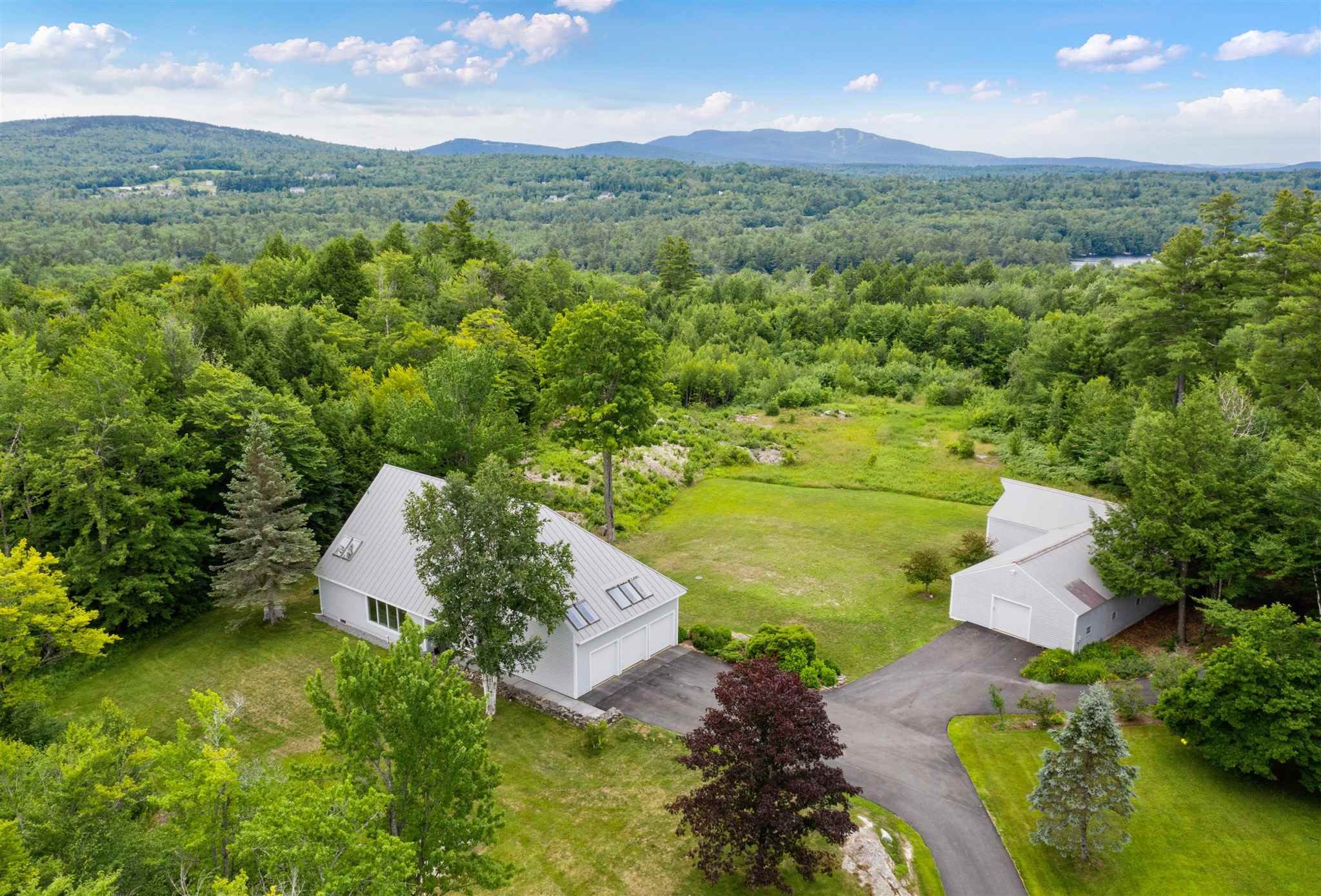 Photo of 408 Knights Hill Road New London NH 03257