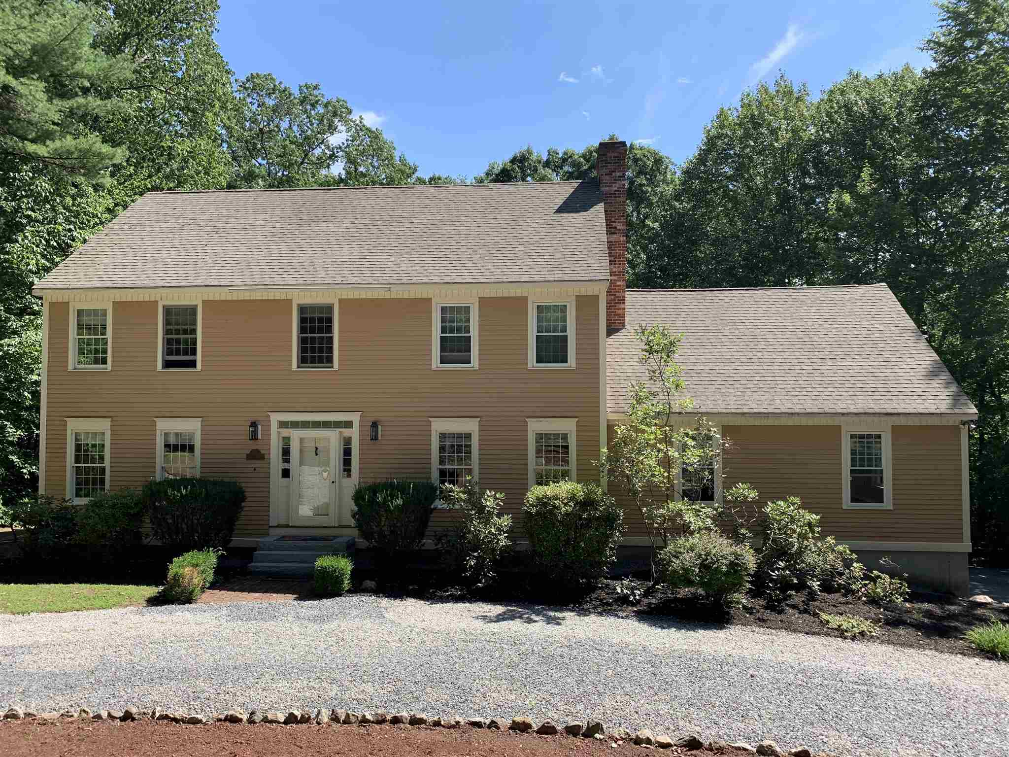 59 Oriole Drive, Bedford, NH 03110