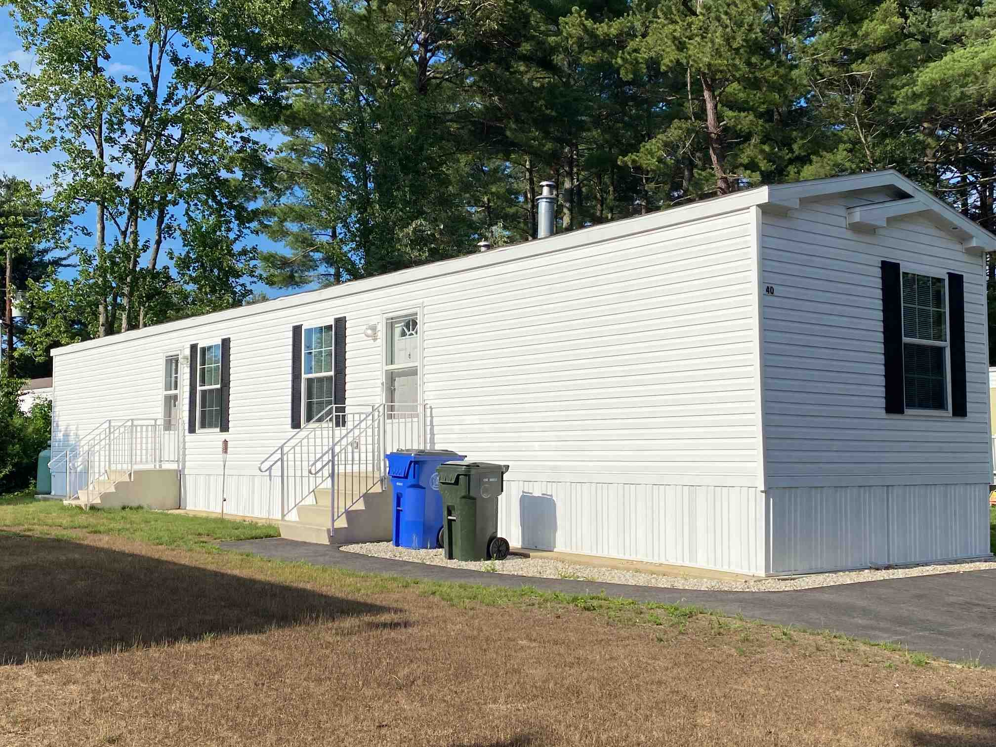 MLS 4818124: 40 Norwich Place, Londonderry NH
