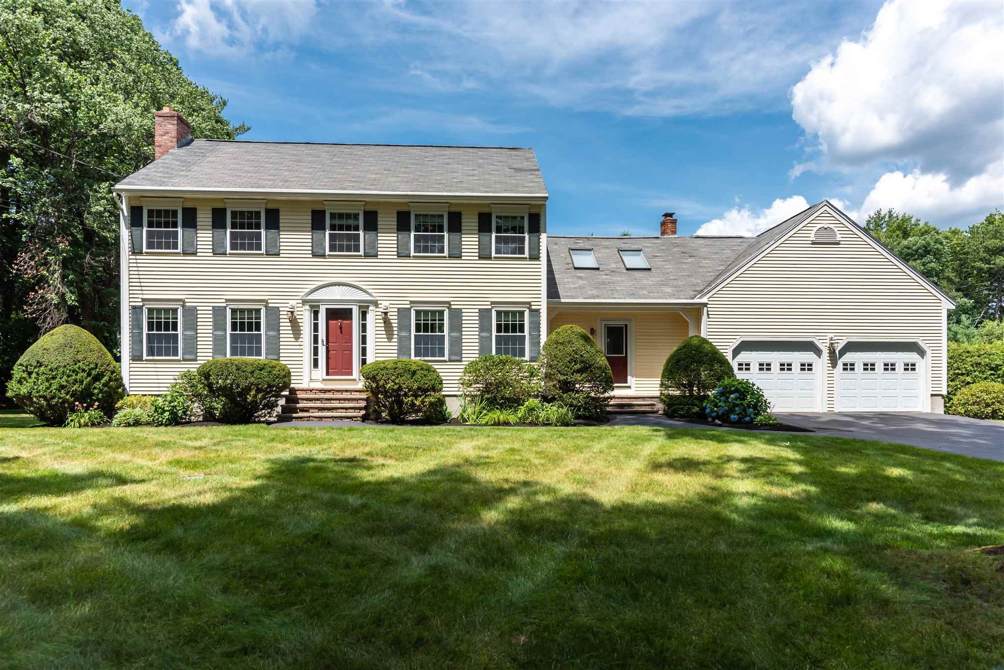 11 Bayberry Court, Bedford, NH 03110
