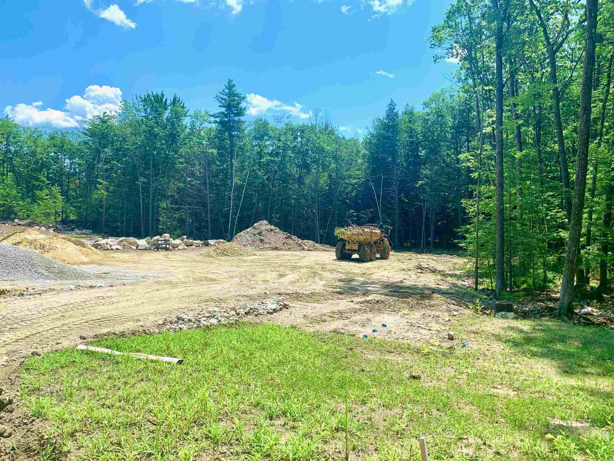 MLS 4818482: Lot 36 Founders Way, Amherst NH
