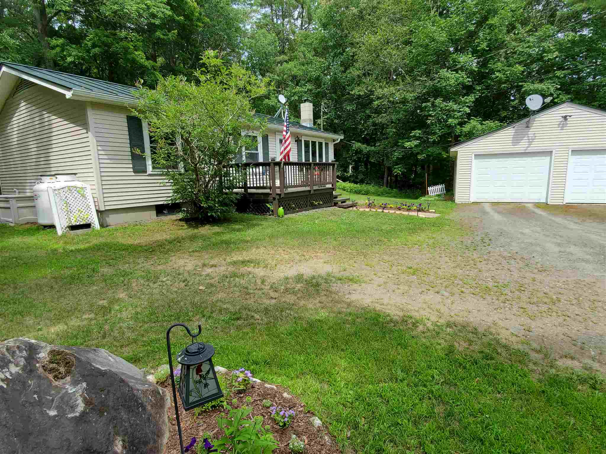 MLS 4819382: 8 King James Road, Enfield NH