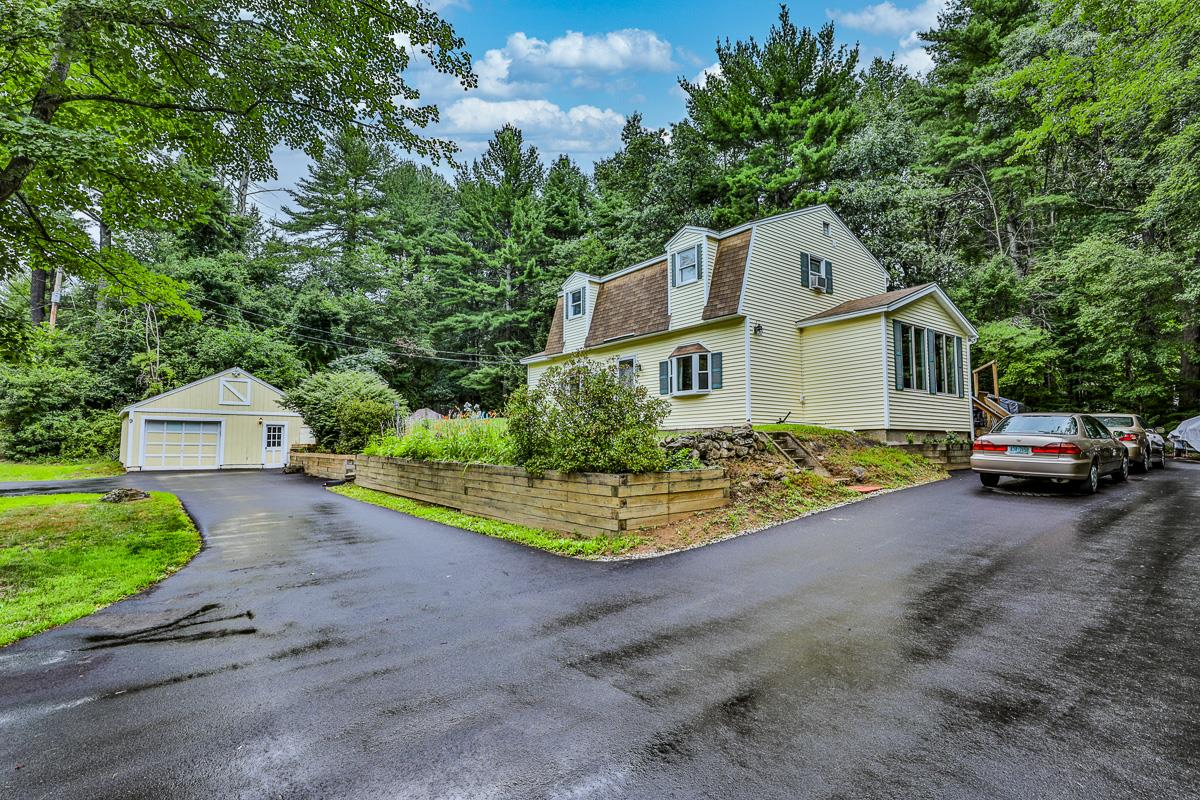 MLS 4820694: 9 Seaverns Bridge Road, Merrimack NH
