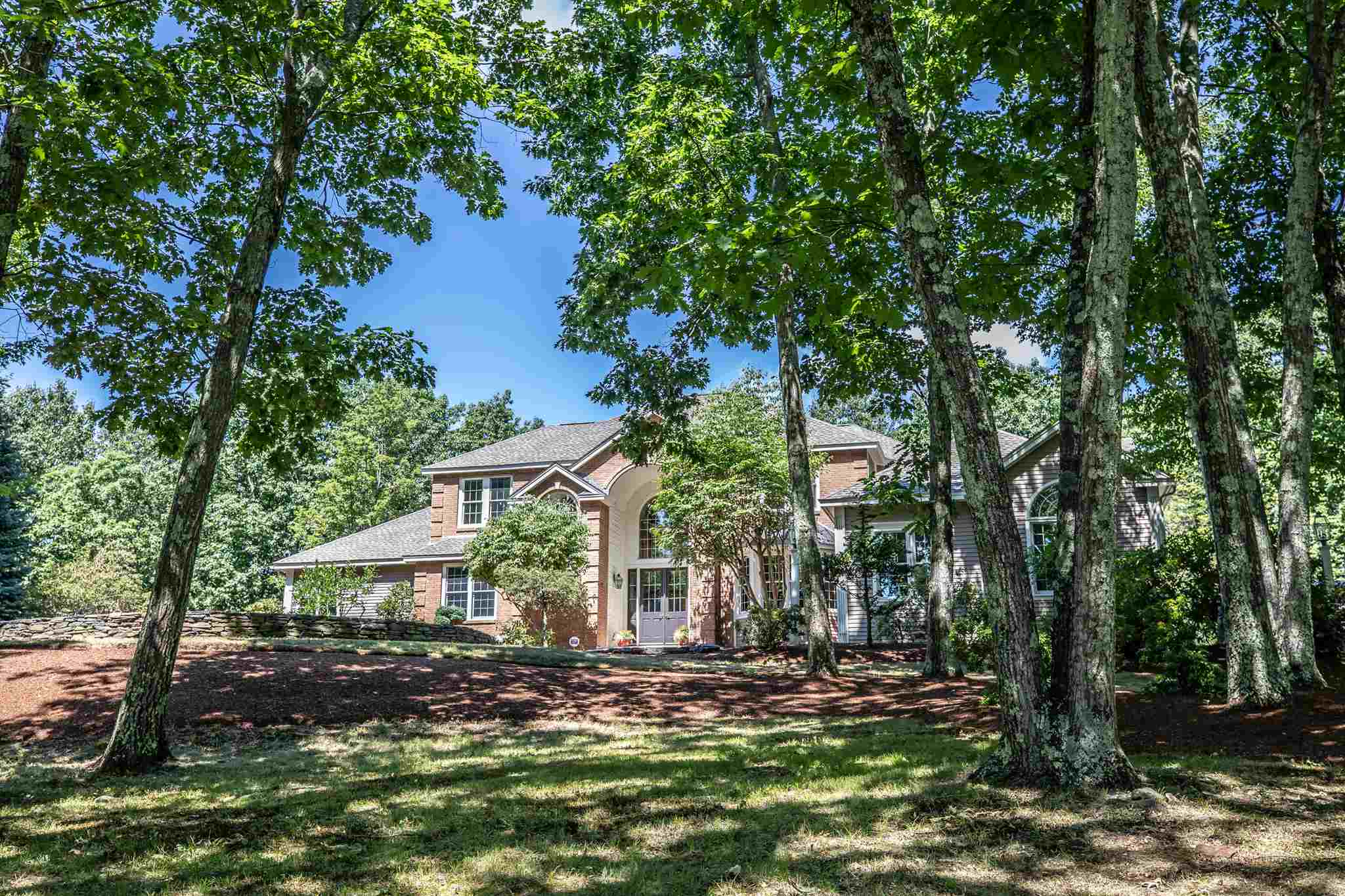 MLS 4820710: 15 Floral Street, Windham NH