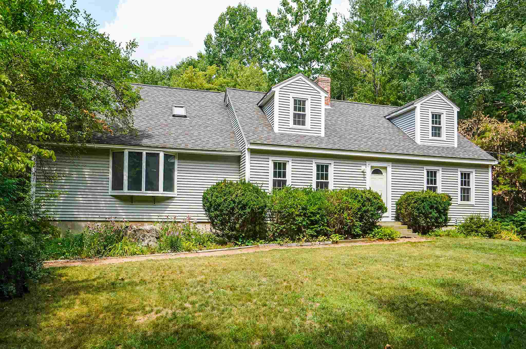 MLS 4821301: 44 Meetinghouse Road, Windham NH