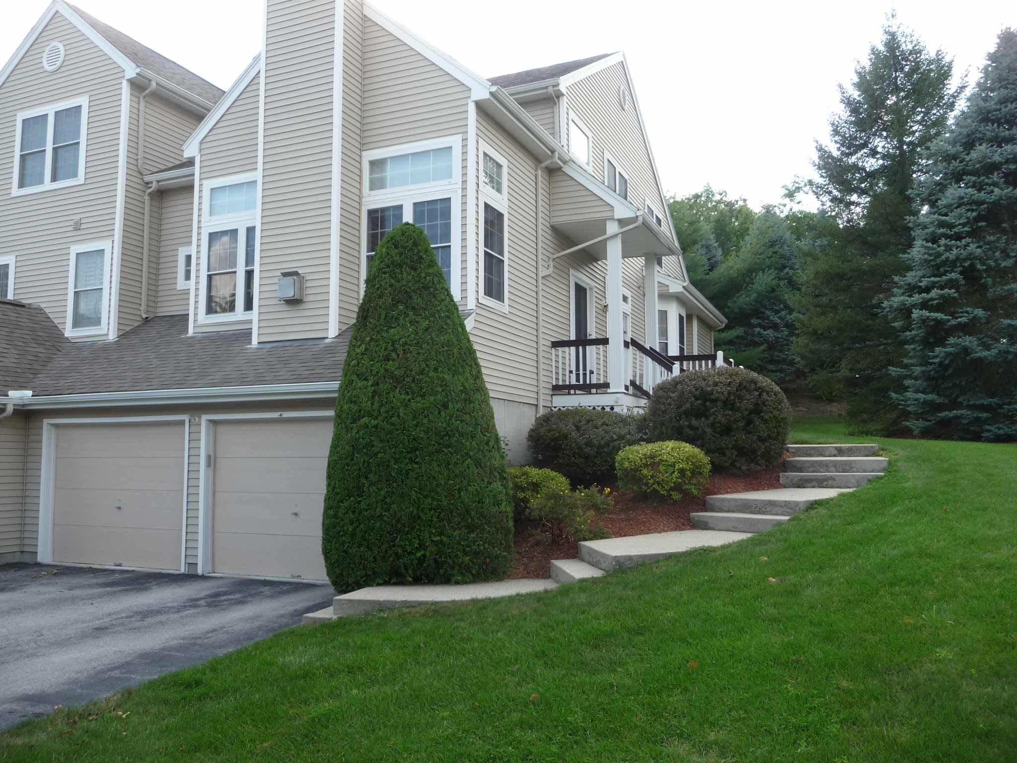 8 Reed Drive, Bedford, NH 03110