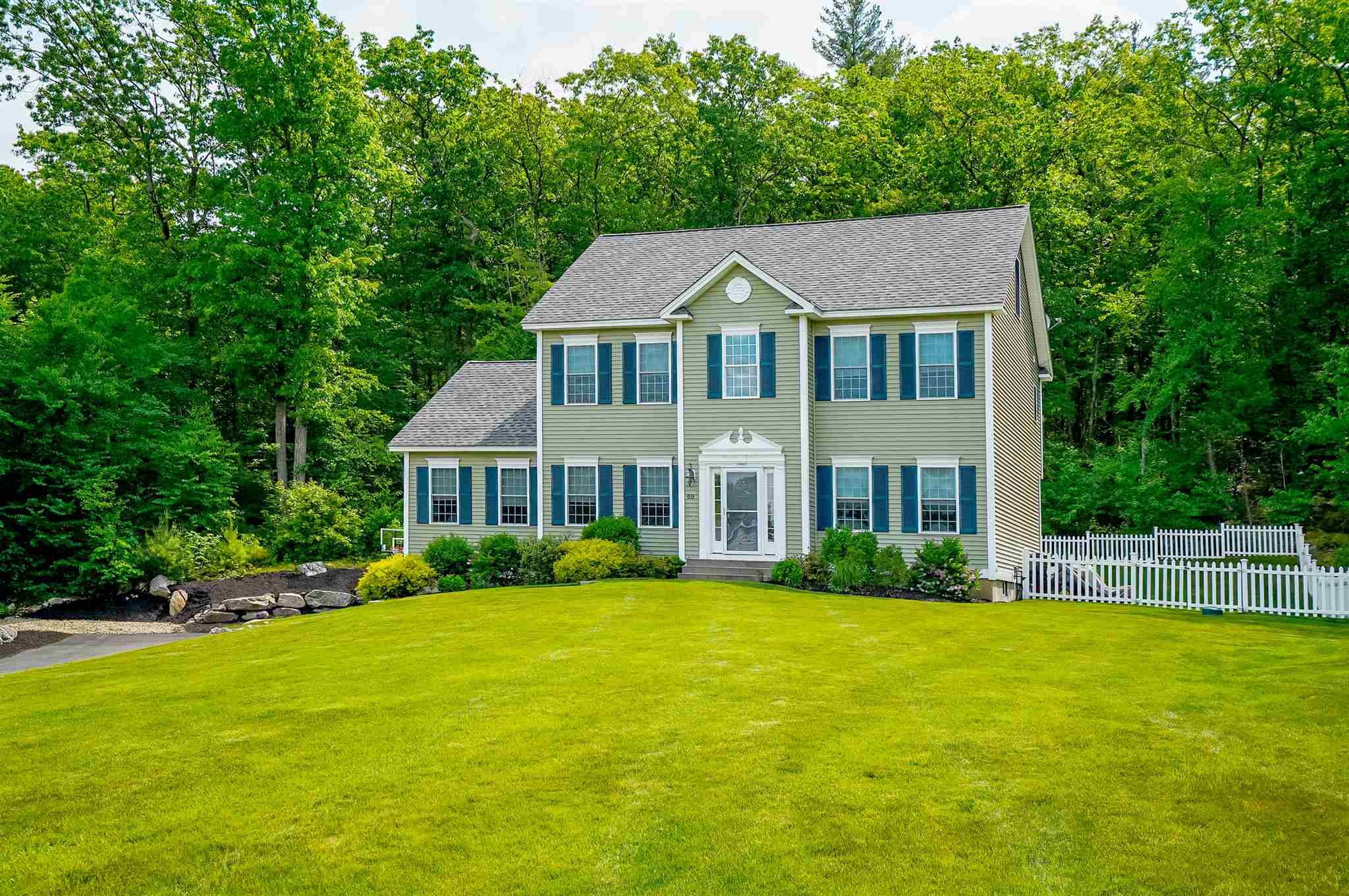 69 Grapevine Road, Bedford, NH 03110