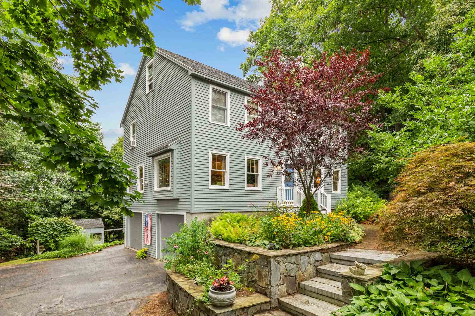 Photo of 59 Forest Street Londonderry NH 03053