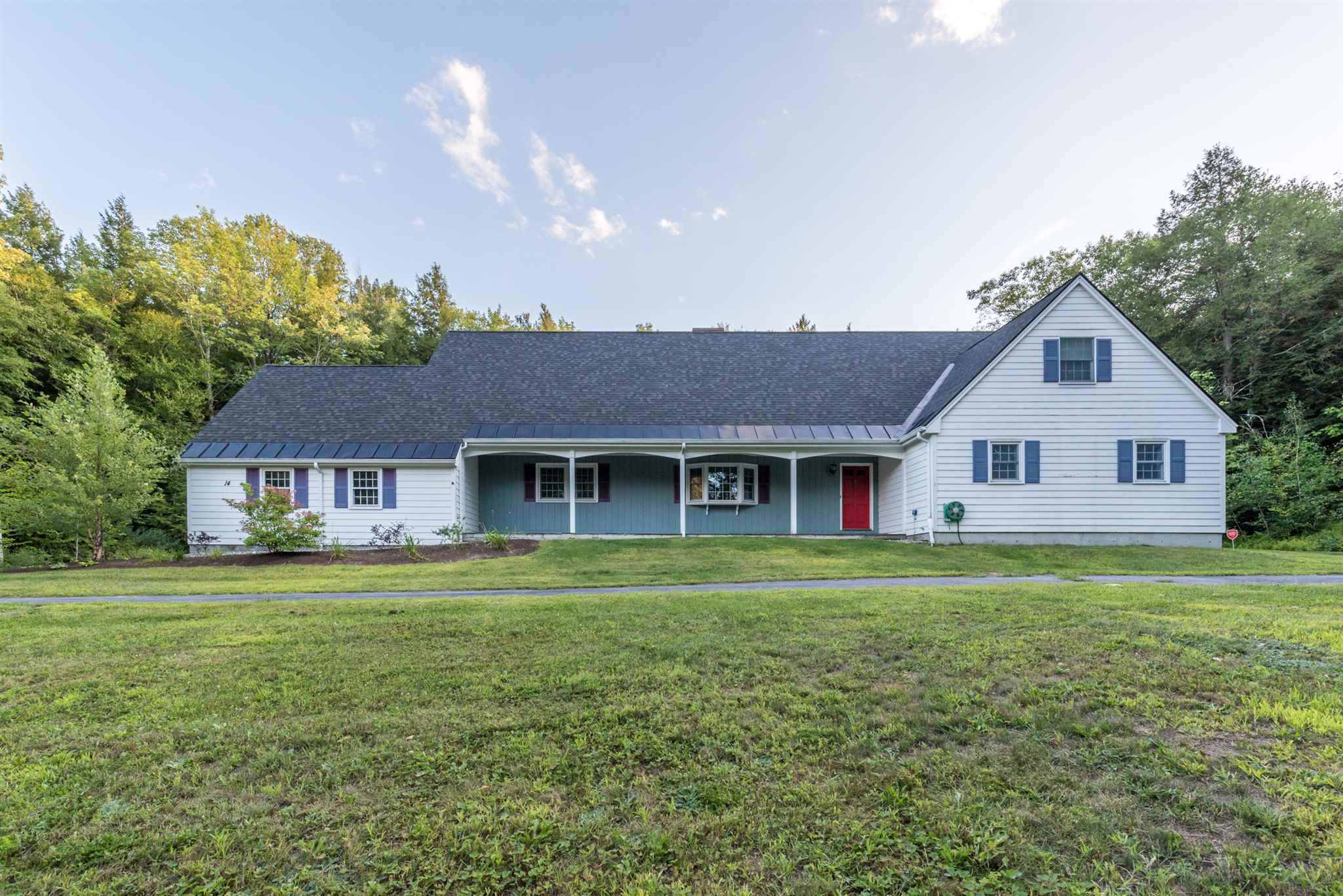 MLS 4825808: 14 Laurel Lane, Wilmot NH